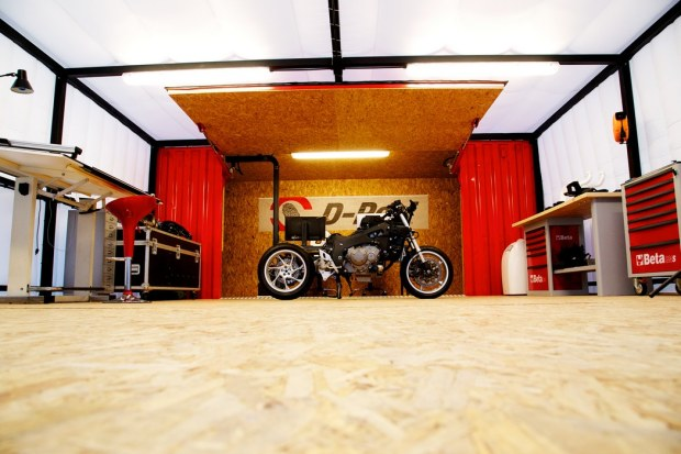 D-Perf Air Garage in Rimini by Aldo Drudi